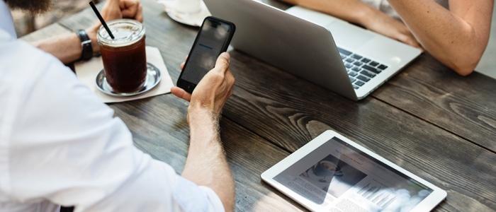 ¿Qué es el marketing transmedia y qué ventajas tiene para tu marca?